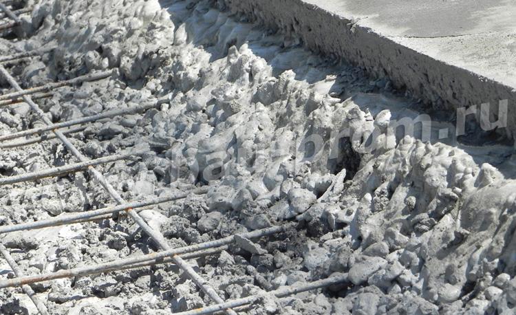 армирование бетонной плиты дорожной сеткой