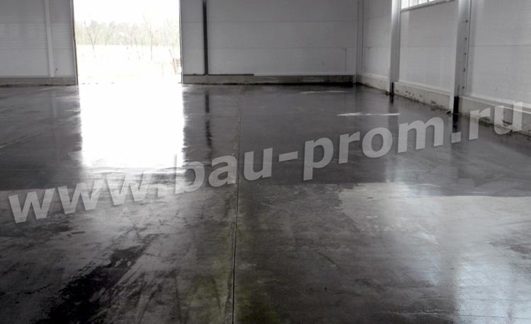 огрунтованная бетонная поверхность