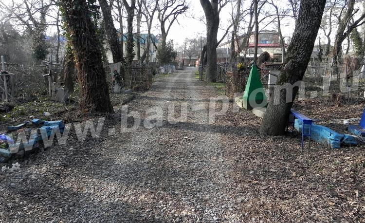 создание щебеночных дорог и дорожек на территории кладбища