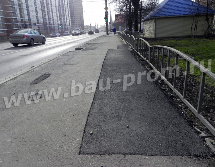 ямочный ремонт асфальтобетонного покрытия тротуара