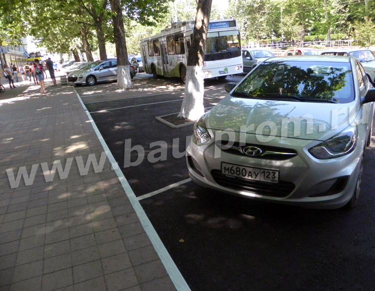 асфальтирование парковки возле супермаркета